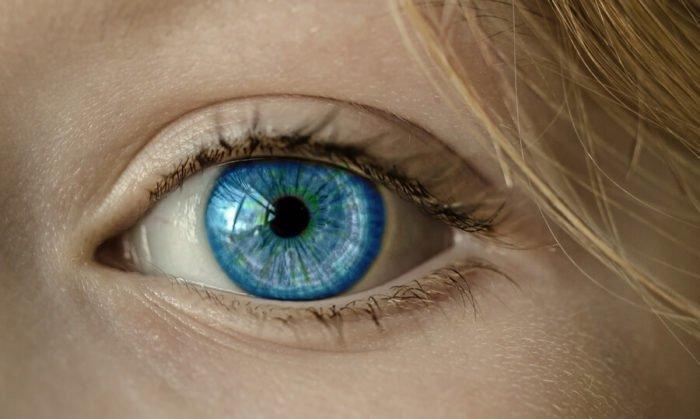 billed af øje